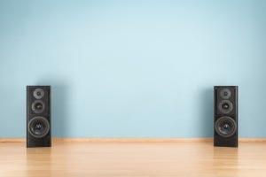 Speaker Stands vs Isolation Pads