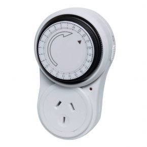 Mechanical 240V Mains Power 24 Hour Timer X8010