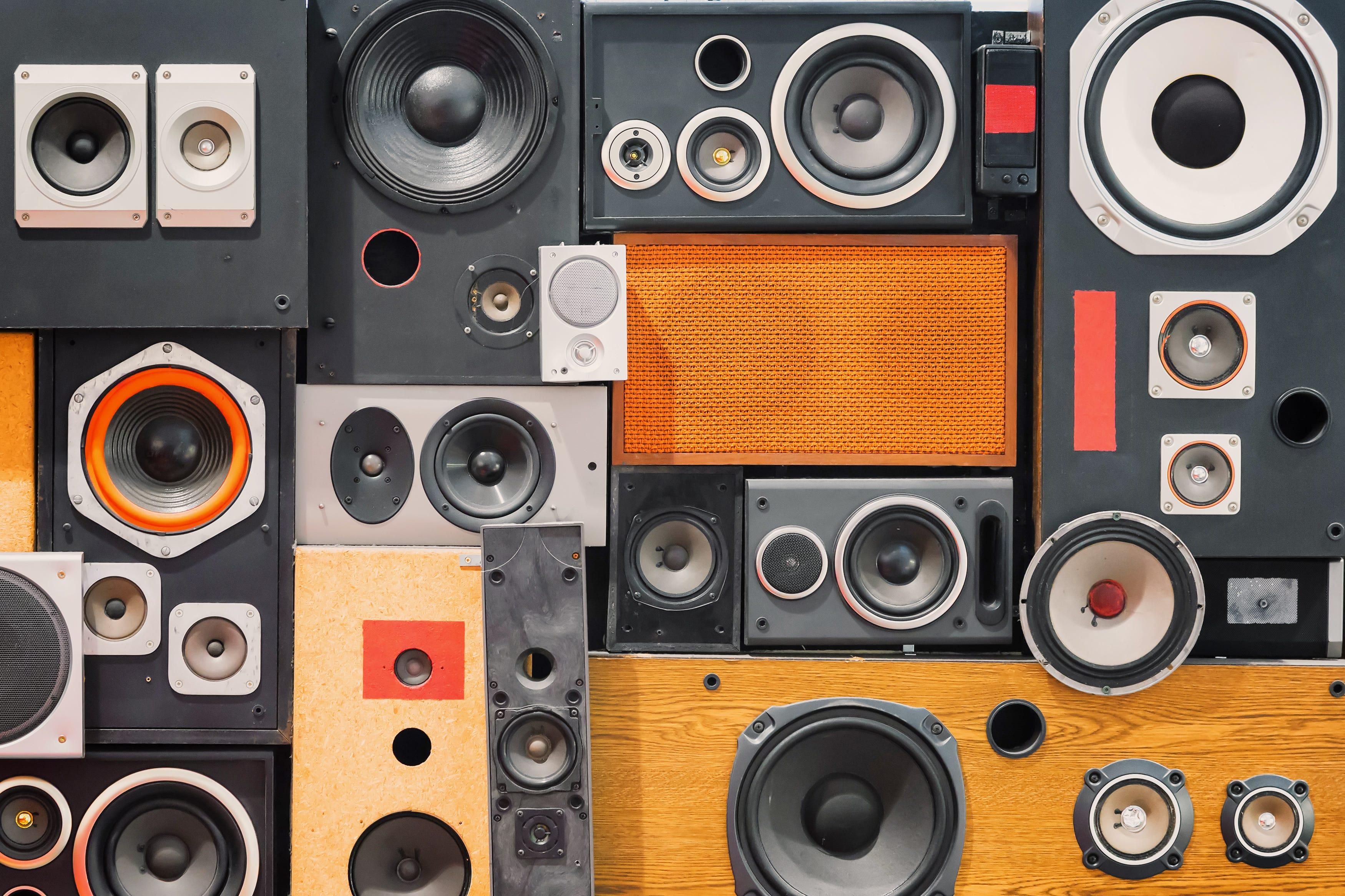 Know Your Speakers: Hi-fi Speakers vs Studio Monitors vs PA Speakers